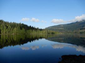 lewis lake sunshine coast trail