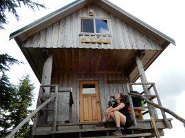 tin hat mountain hut sunshine coast trail